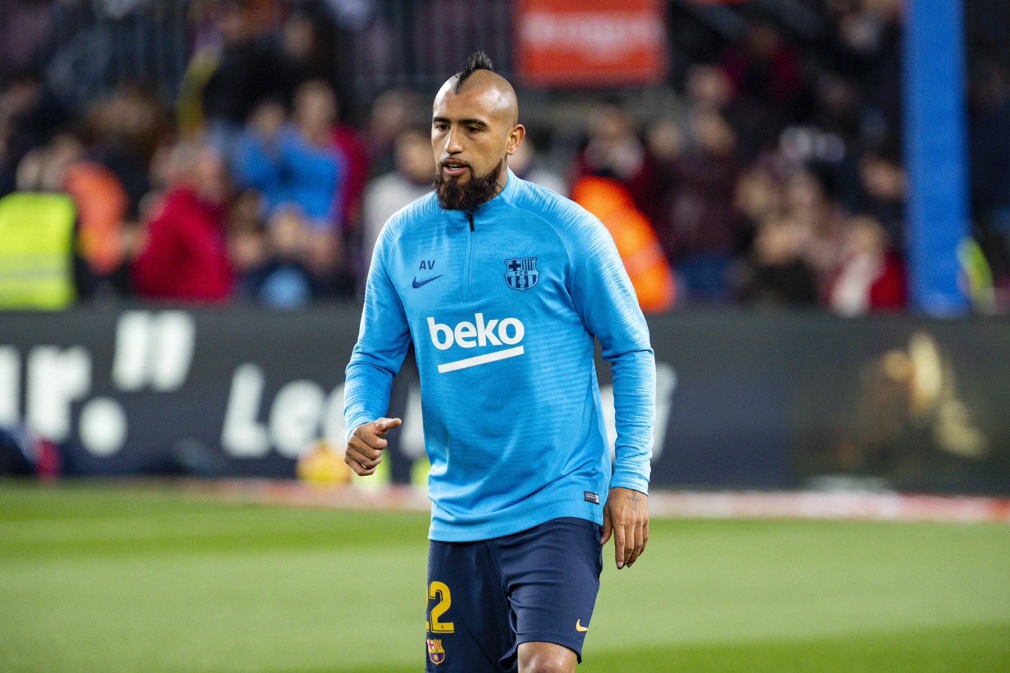 Arturo Vidal, durante el calentamiento previo al encuentro ante el Valladolid.
