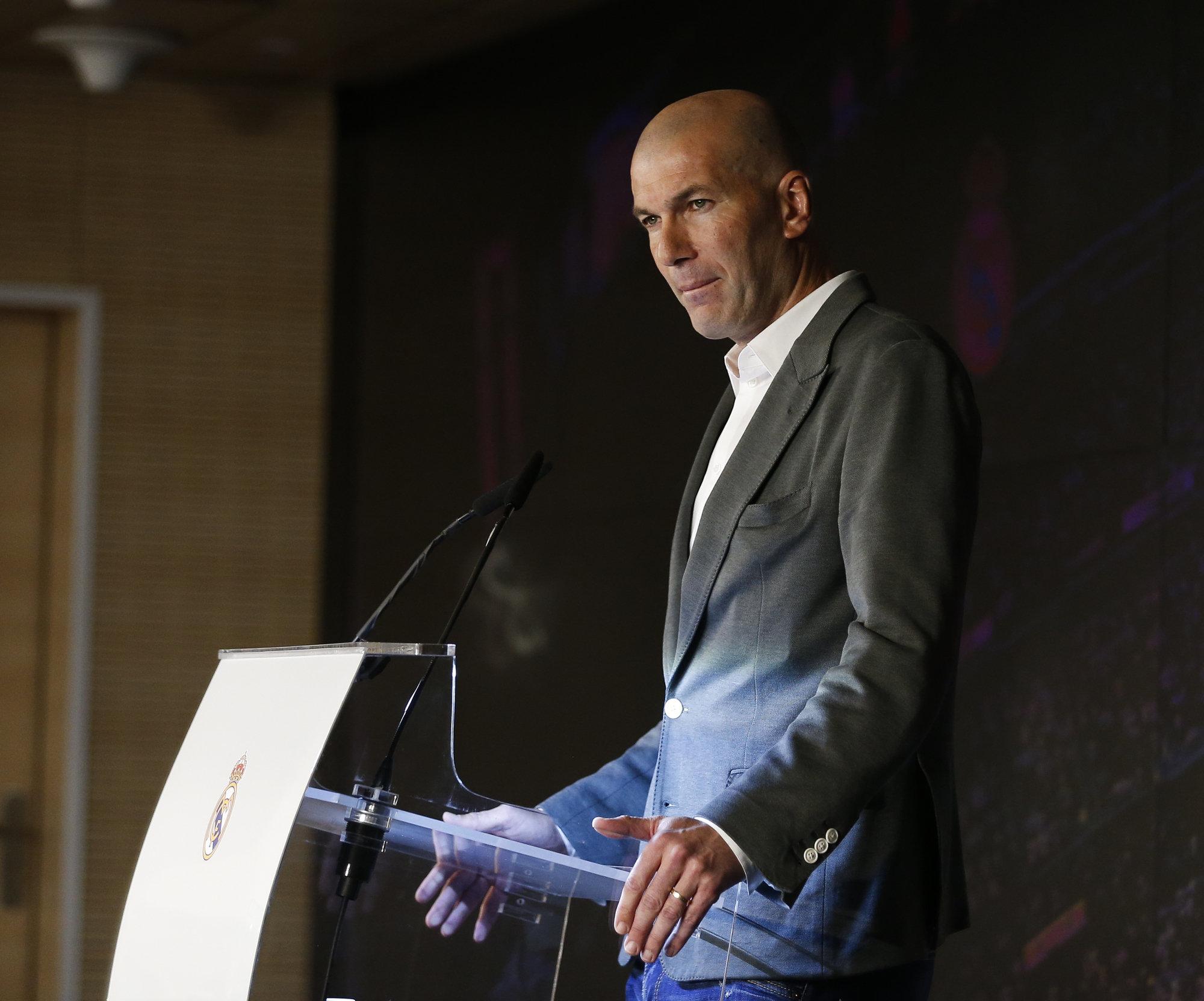 Zidane, durante un momento de su presentación como nuevo entrenador del Real Madrid.