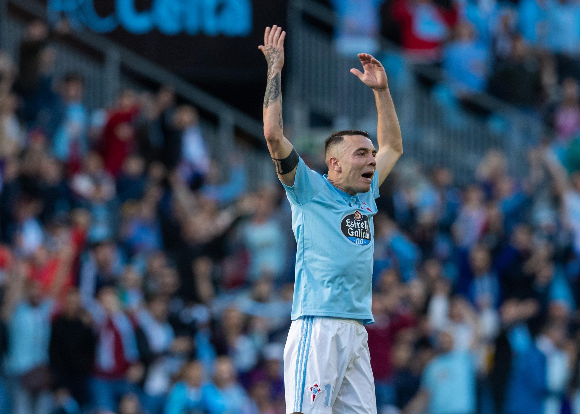 Iago Aspas anima a la afición de Balaídos en el duelo del pasado fin de semana ante el Villarreal.