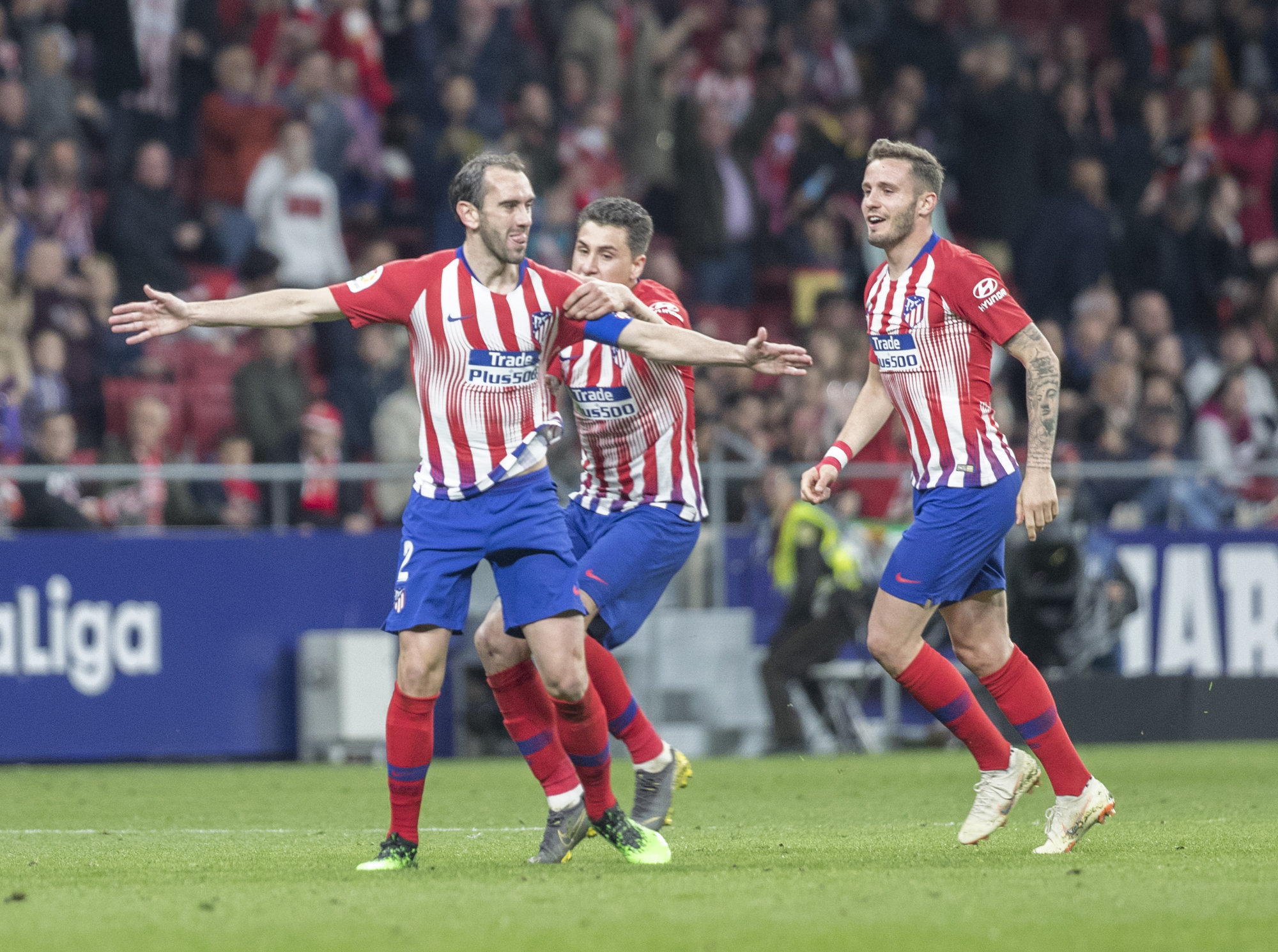 Godín celebra su gol ante el Girona.