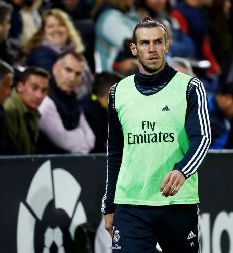 Bale se dispone a calentar en el choque entre el Leganés y el Real Madrid.
